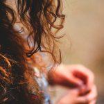 Consejos para evitar el cabello encrespado