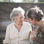 Consejos para el cuidado del pelo blanco - El Círculo de la Belleza