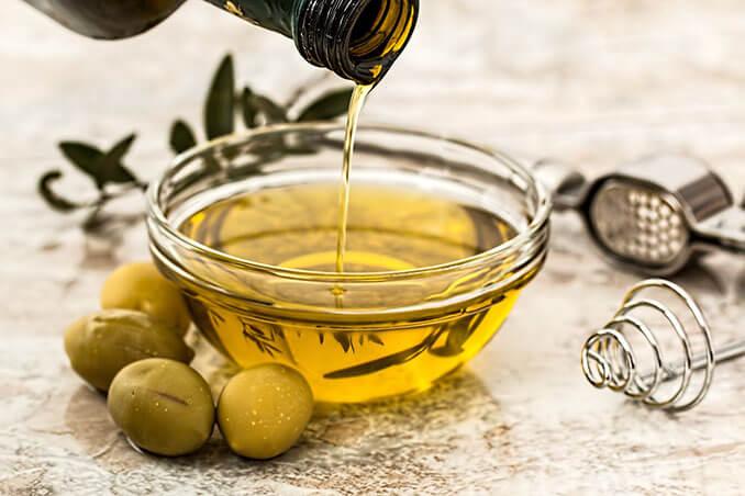 Beneficios del aceite de oliva para el pelo - El Círculo de la Belleza