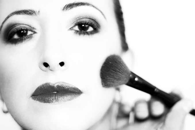 Disimular la papada con maquillaje