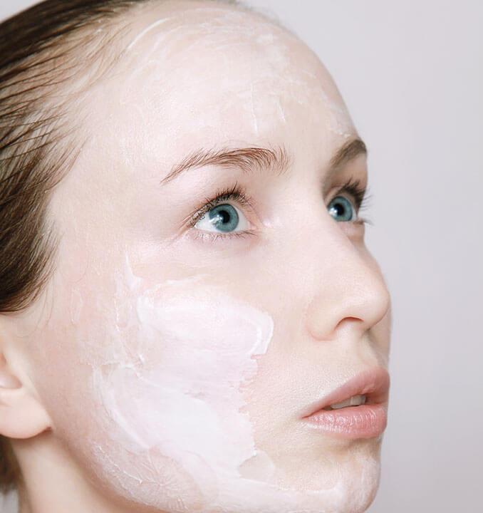 Las cremas hidratantes son muy importantes para el cuidado de la piel - El Círculo de la Belleza