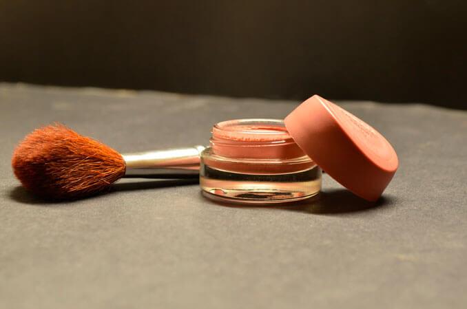 Maquillaje con protección solar