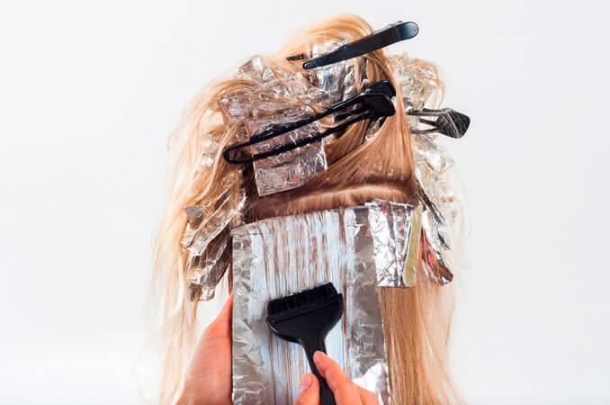 ¿Es dañino teñirse el pelo?